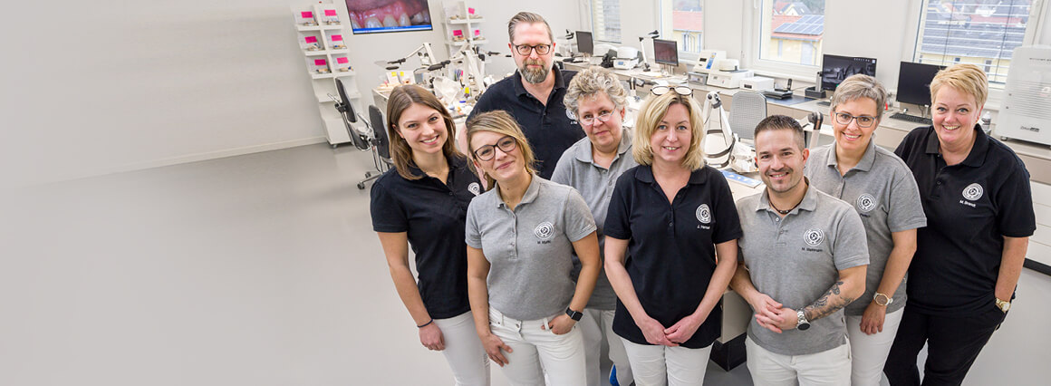 Teamfoto in unserem Berliner Zahnlabor