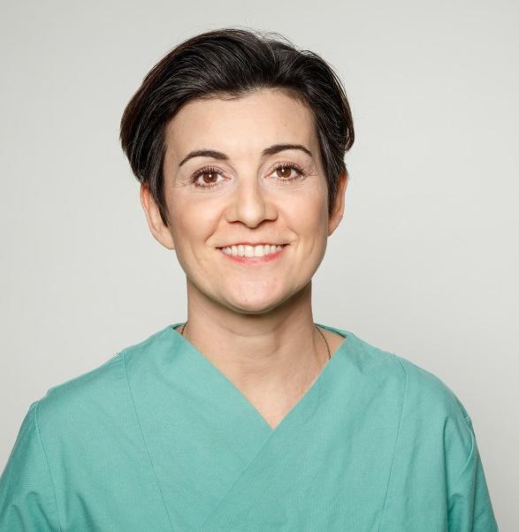 Fachärztin für Oralchirugie Dr. Sahra Yavari