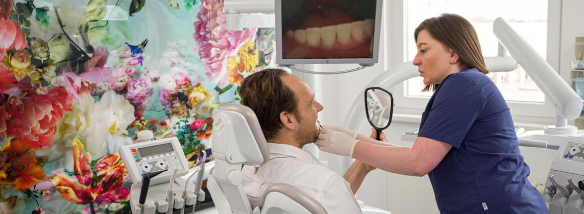 Zahnreinigung bei CenDenta Berlin