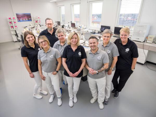 Das Team des Dentallabors der CenDenta Berlin